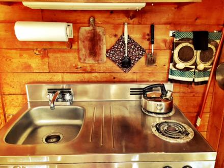 Retro Kitchenette at Cuthbertson Cabin. Highland Loge, Vermont.