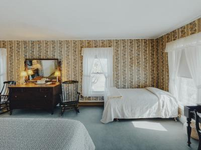 Felipe/Federico Suite features two king suites with a shared common area