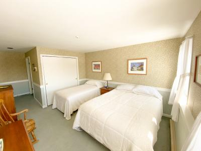 Parker & Porter Suite are two conjoined rooms with a private common area